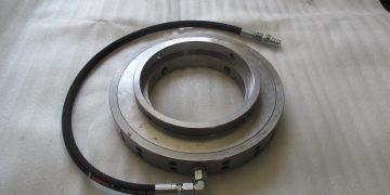 Hydraulický přidržovač